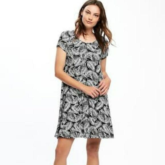0cf5f58b84730 SPECIAL 🌻 Old Navy jersey-knit swing dress. M_5abb063e331627b7c98849a5